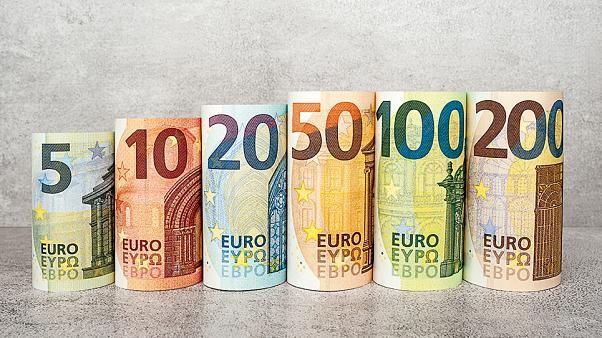 Photo of اليورو يسجل هذا الأسبوع انخفاض بسبب السياسات النقدية